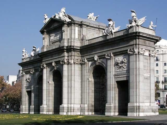 ¿Por qué se caracterizó el neoclasicismo en España?
